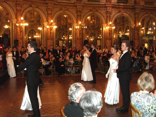 Ball 13.05 - Copie.JPG